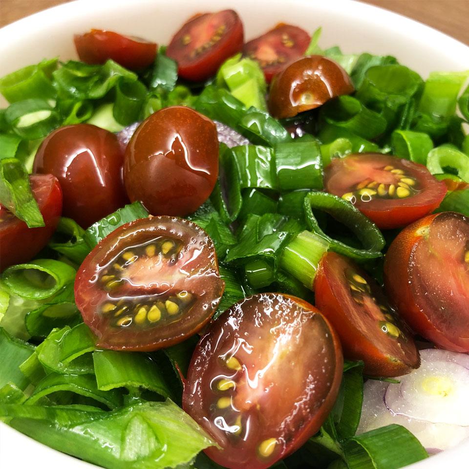 Žalios salotos su pomidoriukais